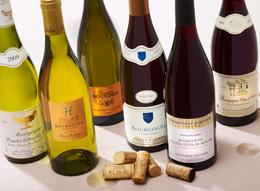 © BIVB / IMAGE & ASSOCIES Bouteilles de Vin de Bourgogne